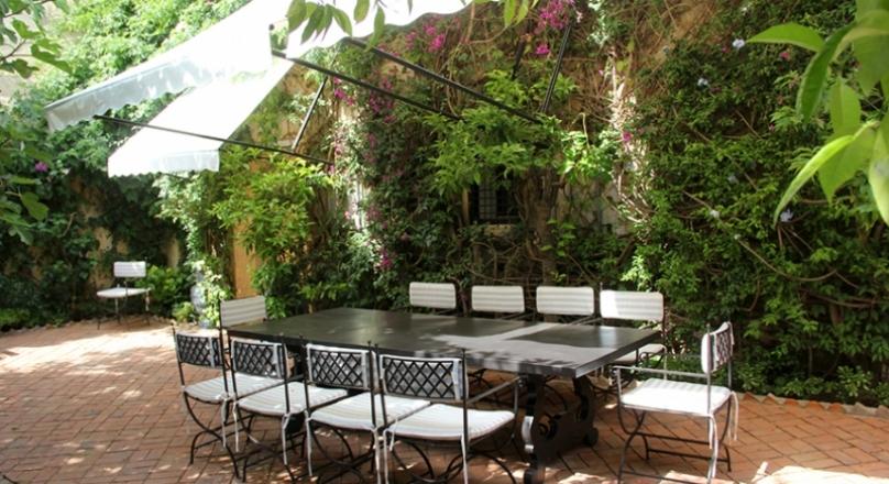 Kasbah, Superbe propriété, rénovée, très belles prestations, volumes, terrasses, jardin.....