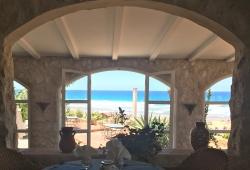 Emplacement unique pour ce bien, titré, 15 minutes de Tanger, accès directe sur la plage.