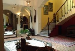 Tanger, très belle maison,titrée, restaurée , proche entrée médina sur 110m2